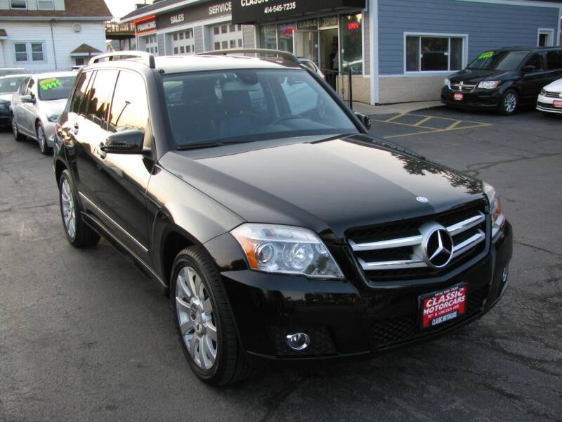 2011 Mercedes-Benz GLK for sale at CLASSIC MOTOR CARS in West Allis WI