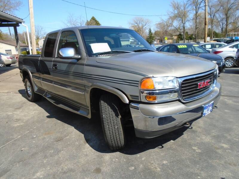 2001 GMC Sierra 1500 for sale at DISCOVER AUTO SALES in Racine WI