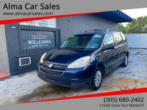 2004 Toyota Sienna for sale at Alma Car Sales in Miami FL
