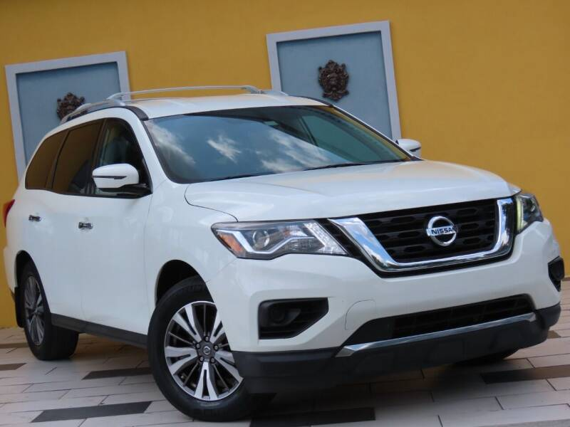 2017 Nissan Pathfinder for sale at Paradise Motor Sports LLC in Lexington KY