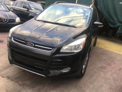 2014 Ford Escape for sale at Carzready in San Antonio TX