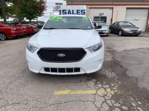 2015 Ford Taurus for sale at ALVAREZ AUTO SALES in Des Moines IA