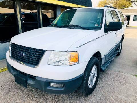 2006 Ford Expedition for sale at Auto Space LLC in Norfolk VA