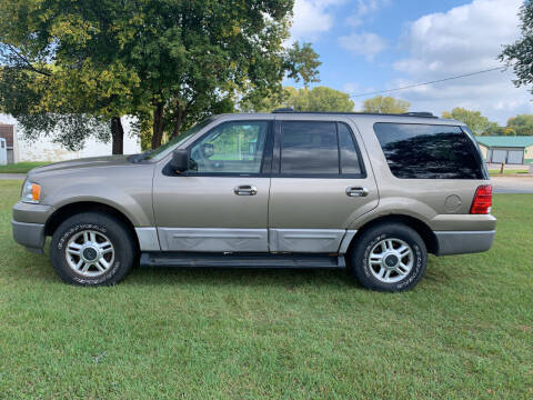 2003 Ford Expedition for sale at Velp Avenue Motors LLC in Green Bay WI