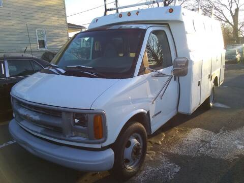 2000 Chevrolet Express Cutaway for sale at Wilson Investments LLC in Ewing NJ