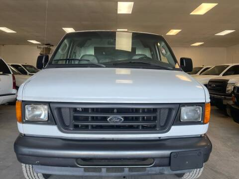 2004 Ford E-Series Cargo for sale at Ricky Auto Sales in Houston TX