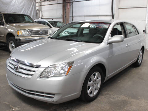 2006 Toyota Avalon for sale at FUN 2 DRIVE LLC in Albuquerque NM