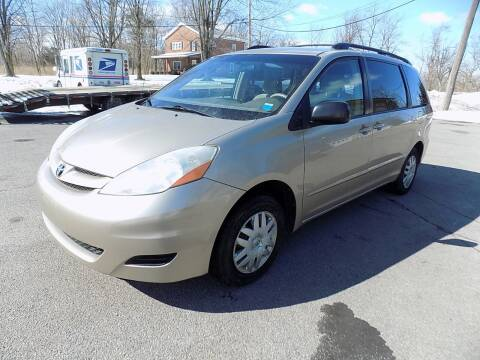2008 Toyota Sienna for sale at SUMMIT TRUCK & AUTO INC in Akron NY