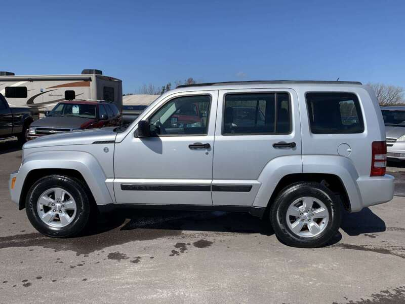 2010 Jeep Liberty for sale at LUXURY IMPORTS in Hermantown MN