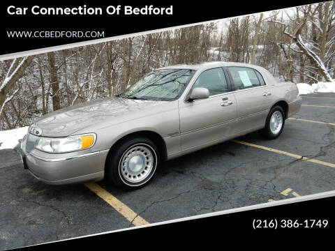 2001 Lincoln Town Car for sale at Car Connection of Bedford in Bedford OH
