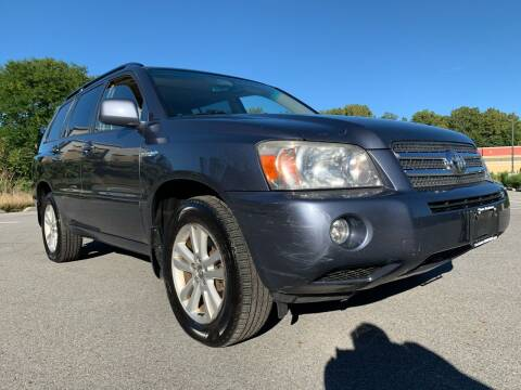 2007 Toyota Highlander Hybrid for sale at Auto Warehouse in Poughkeepsie NY