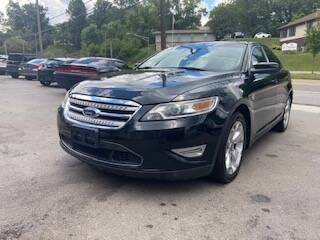 2010 Ford Taurus for sale at North Knox Auto LLC in Knoxville TN