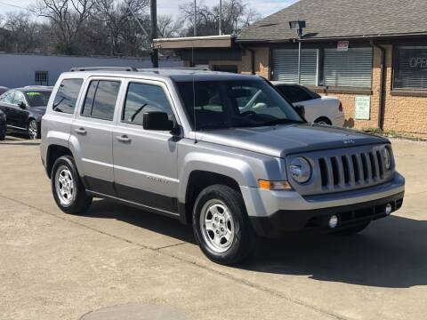 2017 Jeep Patriot for sale at Safeen Motors in Garland TX