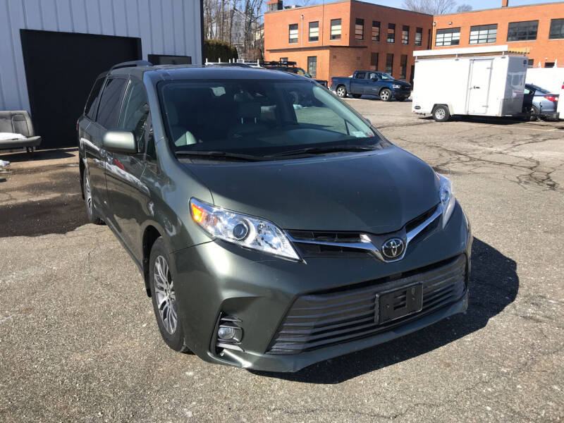 2019 Toyota Sienna for sale at Deals on Wheels in Nanuet NY