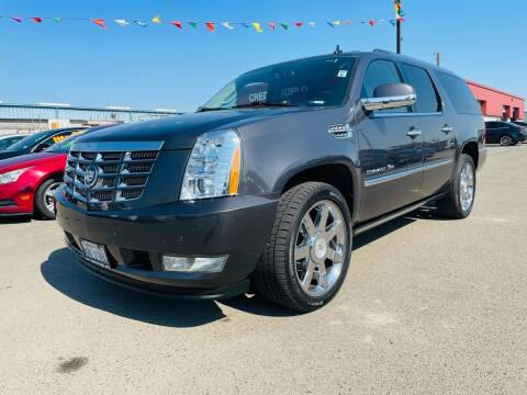2011 Cadillac Escalade ESV for sale at Credit World Auto Sales in Fresno CA