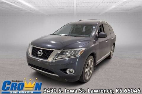 2014 Nissan Pathfinder for sale at Crown Automotive of Lawrence Kansas in Lawrence KS