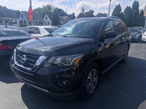 2017 Nissan Pathfinder for sale at CLASSIC MOTOR CARS in West Allis WI