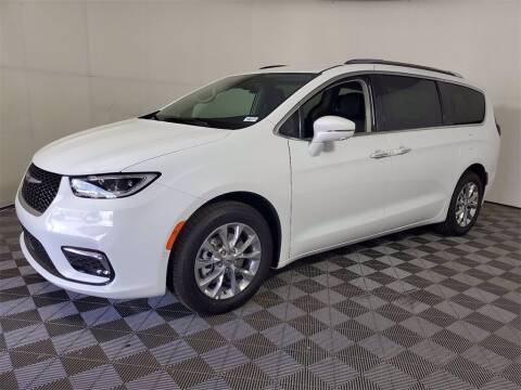 2021 Chrysler Pacifica for sale at PHIL SMITH AUTOMOTIVE GROUP - Joey Accardi Chrysler Dodge Jeep Ram in Pompano Beach FL