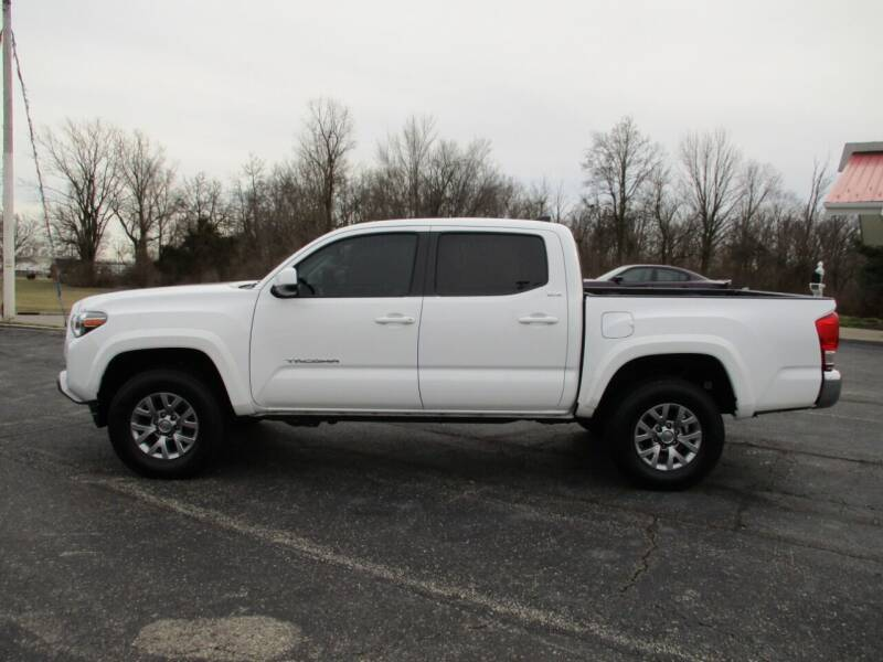2017 Toyota Tacoma for sale at TEAM ANDERSON AUTO GROUP INC in Richmond IN
