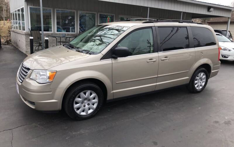 2009 Chrysler Town and Country for sale at County Seat Motors in Union MO