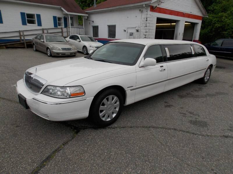 2005 Lincoln Town Car for sale at Wheels and Deals in Springfield MA