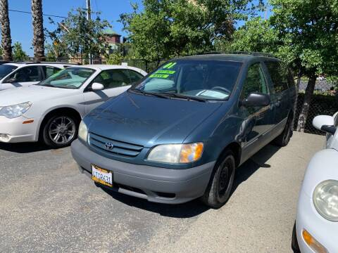 2001 Toyota Sienna for sale at Contra Costa Auto Sales in Oakley CA