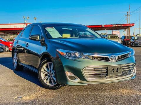 2014 Toyota Avalon for sale at MAGNA CUM LAUDE AUTO COMPANY in Lubbock TX