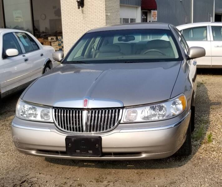 2000 Lincoln Town Car for sale in Assumption, IL
