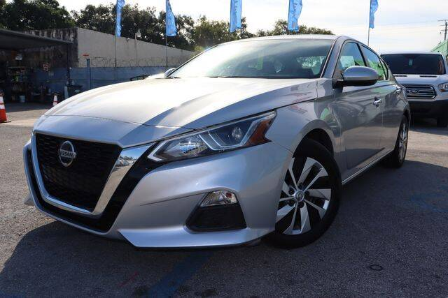 2019 Nissan Altima for sale at OCEAN AUTO SALES in Miami FL