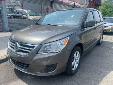 2010 Volkswagen Routan for sale at Gallery Auto Sales in Bronx NY