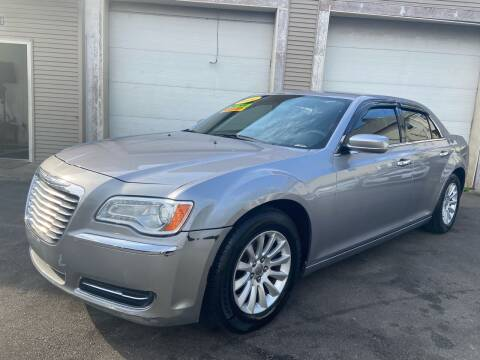 2014 Chrysler 300 for sale at Global Auto Finance & Lease INC in Maywood IL