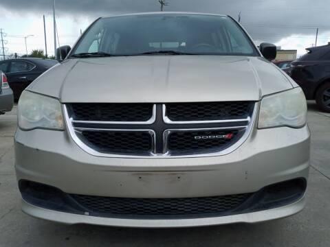 2013 Dodge Grand Caravan for sale at Auto Haus Imports in Grand Prairie TX