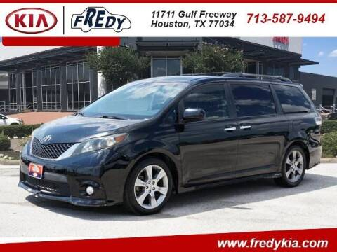 2013 Toyota Sienna for sale at FREDY KIA USED CARS in Houston TX