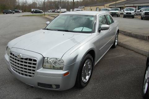 2006 Chrysler 300 for sale at Modern Motors - Thomasville INC in Thomasville NC