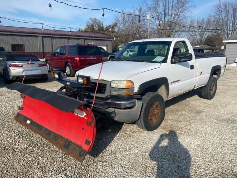 2005 GMC Sierra 2500HD for sale at Davidson Auto Deals in Syracuse IN