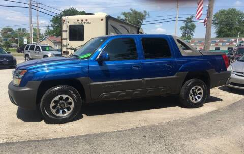 2004 Chevrolet Avalanche for sale at Antique Motors in Plymouth IN