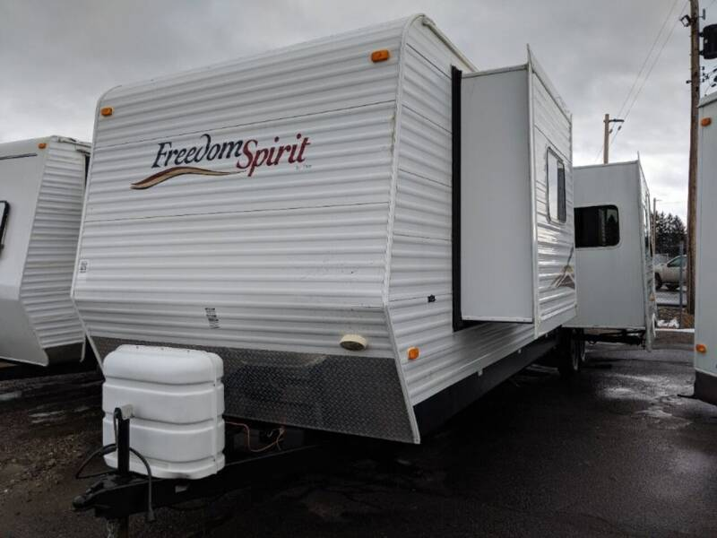 2008 Dutchmen 37Q Freedom Spirit for sale at Great Lakes Classic Cars & Detail Shop in Hilton NY