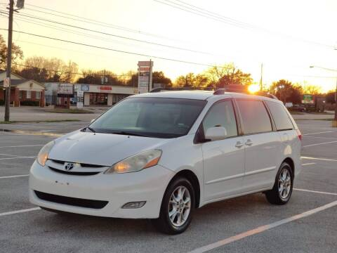 2006 Toyota Sienna for sale at Loco Motors in La Porte TX