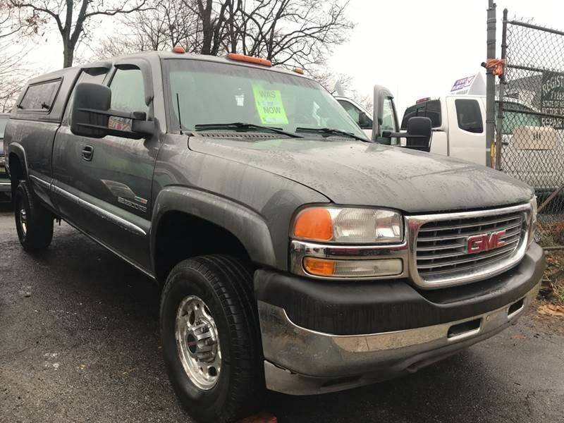 2002 GMC Sierra 2500HD for sale at Drive Deleon in Yonkers NY