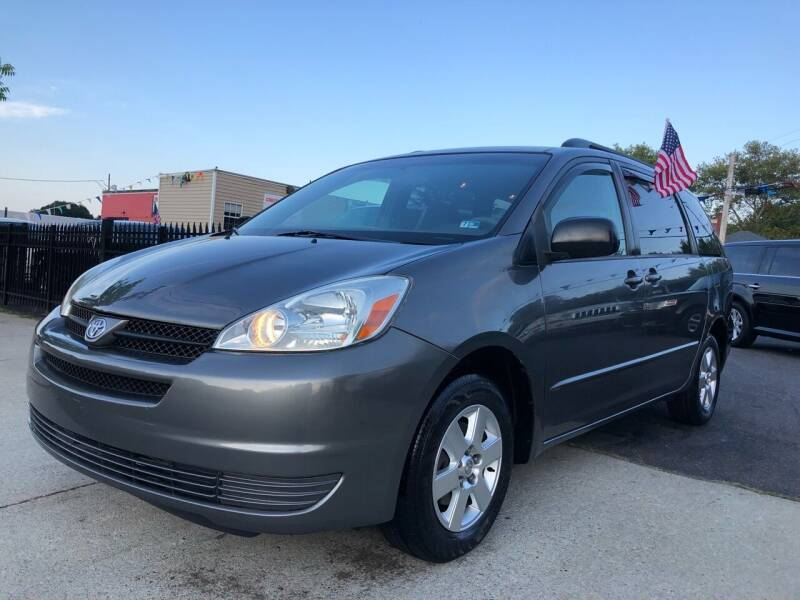 2005 Toyota Sienna for sale at Crestwood Auto Center in Richmond VA