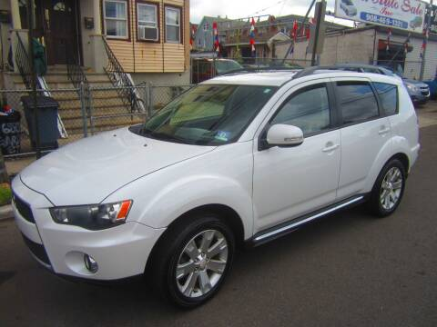 2010 Mitsubishi Outlander for sale at Cali Auto Sales Inc. in Elizabeth NJ