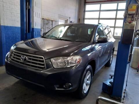 2010 Toyota Highlander for sale at Cammisa's Garage Inc in Shelton CT
