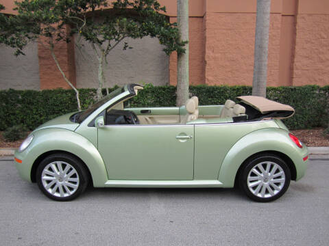 2008 Volkswagen New Beetle Convertible for sale at FLORIDACARSTOGO in West Palm Beach FL