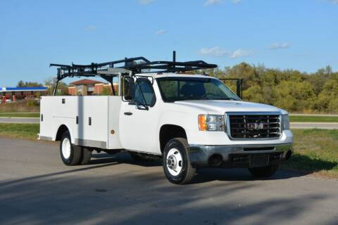 2007 GMC New Sierra 3500 for sale at Signature Truck Center - Service-Utility Truck in Crystal Lake IL