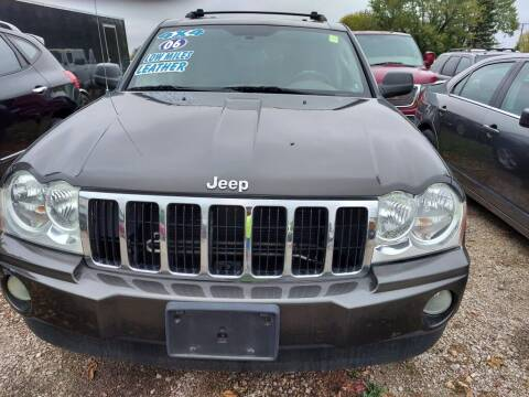 2006 Jeep Grand Cherokee for sale at Car Connection in Yorkville IL