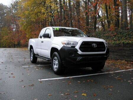2017 Toyota Tacoma for sale at RICH AUTOMOTIVE Inc in High Point NC