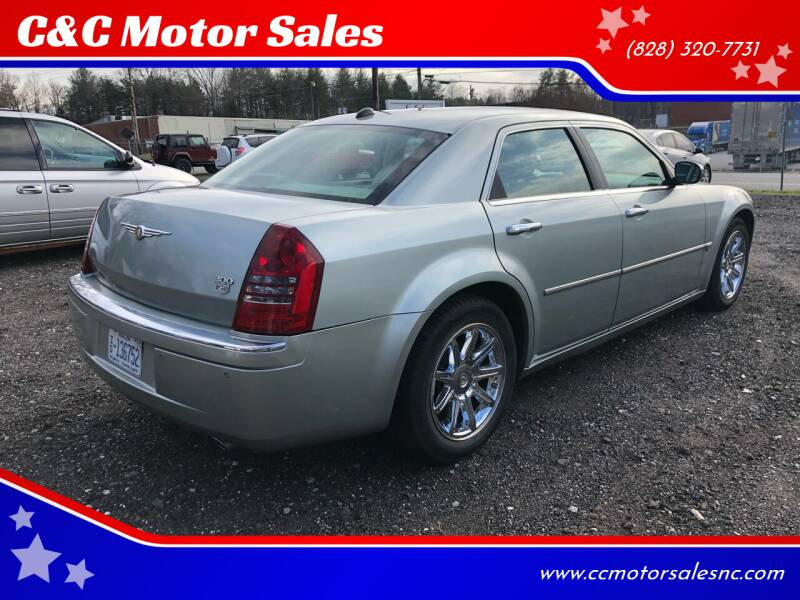 2006 Chrysler 300 for sale at C&C Motor Sales LLC in Hudson NC