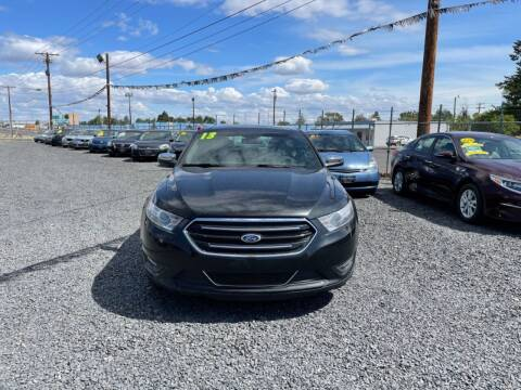 2013 Ford Taurus for sale at Velascos Used Car Sales in Hermiston OR
