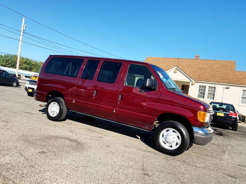 2006 Ford E-Series Wagon for sale at New Wave Auto of Vineland in Vineland NJ