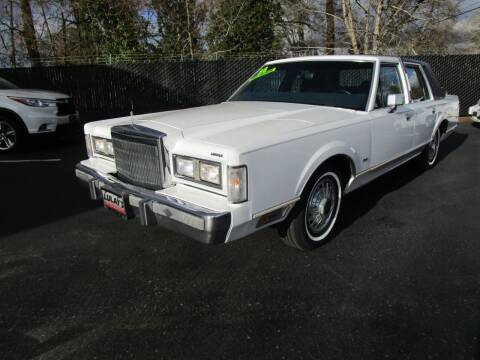 1988 Lincoln Town Car for sale at LULAY'S CAR CONNECTION in Salem OR